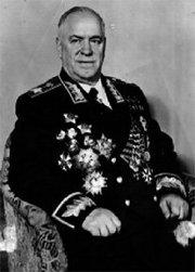 """L'image """"http://worldwartwo.free.fr/biographies/Joukov/180px-Zhukov.jpg"""" ne peut être affichée car elle contient des erreurs."""